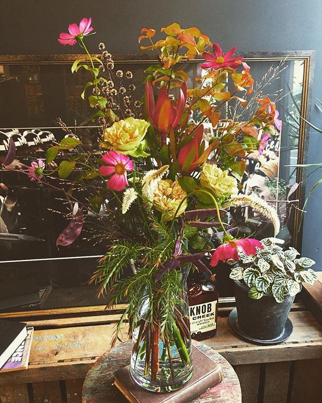 本日の取材用の花束!秋を感じる束。お...