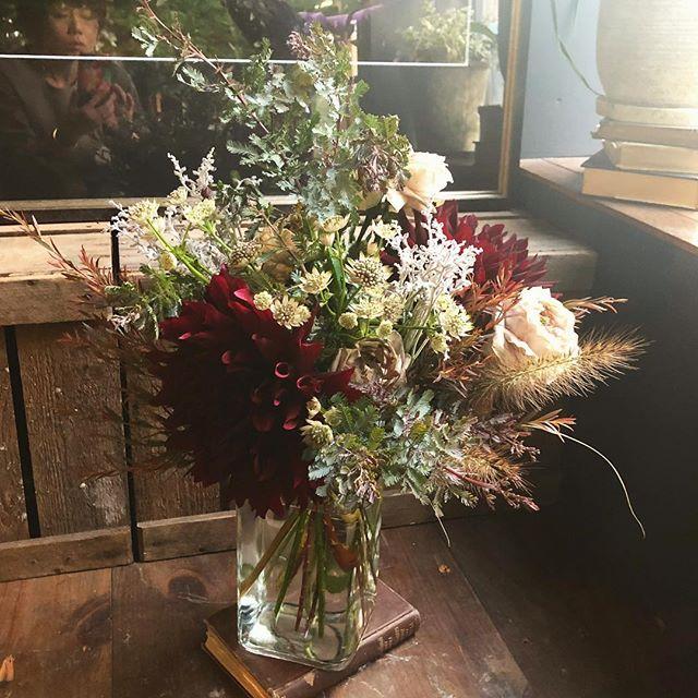 あるタレントさんへの撮影後の手渡し花‼️...
