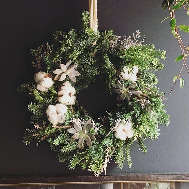 Christmas wreath 🔔予約受付中です‼️シ...