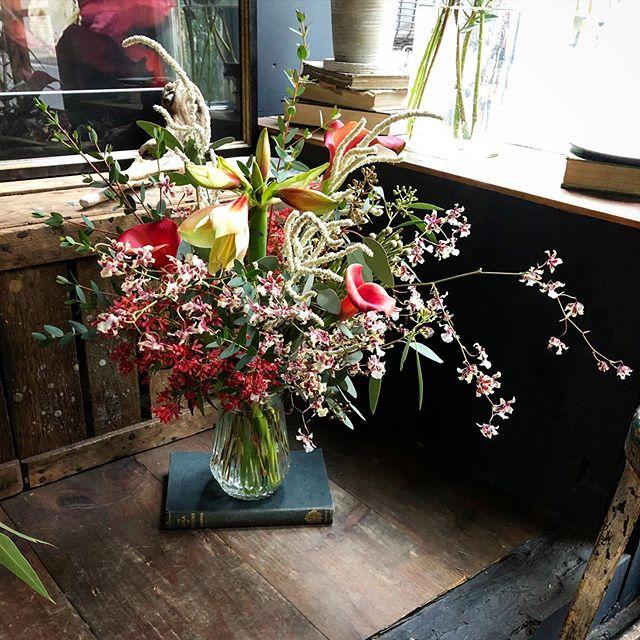 birthday bouquet 🥀メインはアマリリスの...