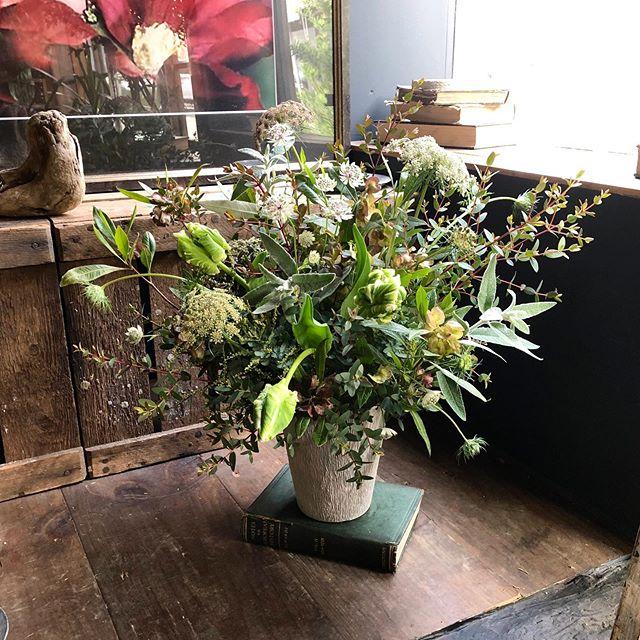 greenな祝い花🌿作ってる間中も緑の良い香...