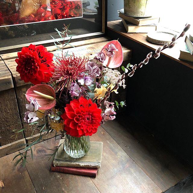 birthday bouquet ✨真っ赤なダリアをシッ...